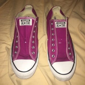 Purple low-top converse